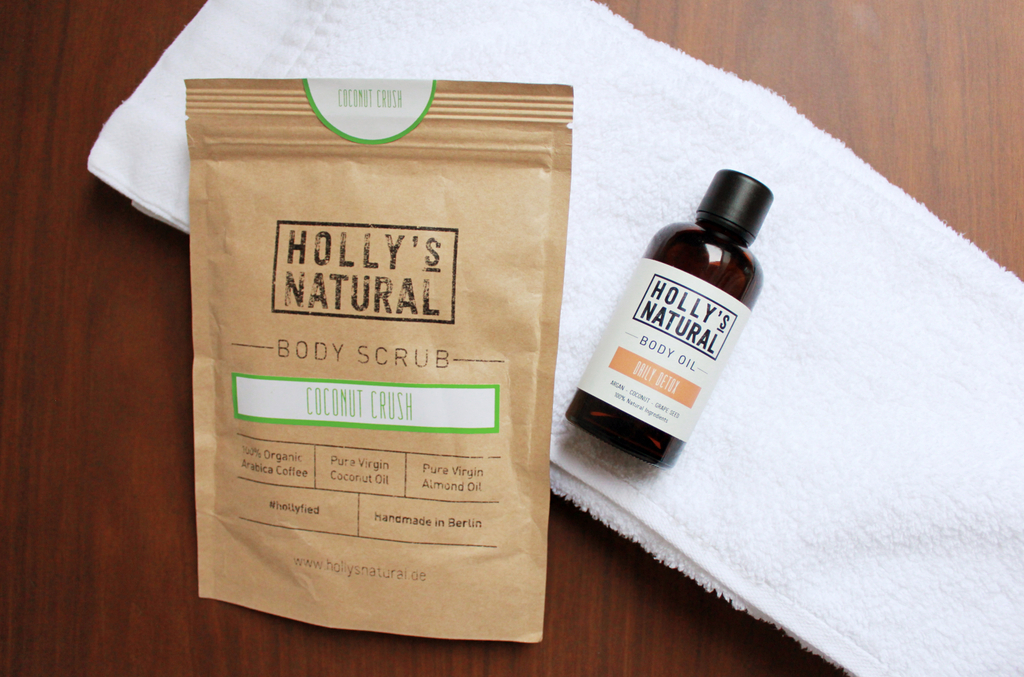 Holly's Natural body scrub coconut crush and body oil